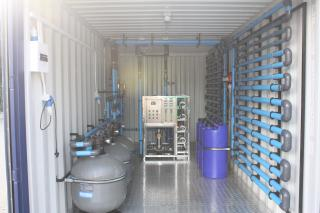 Complete filyter system, with RO and UV. containerized